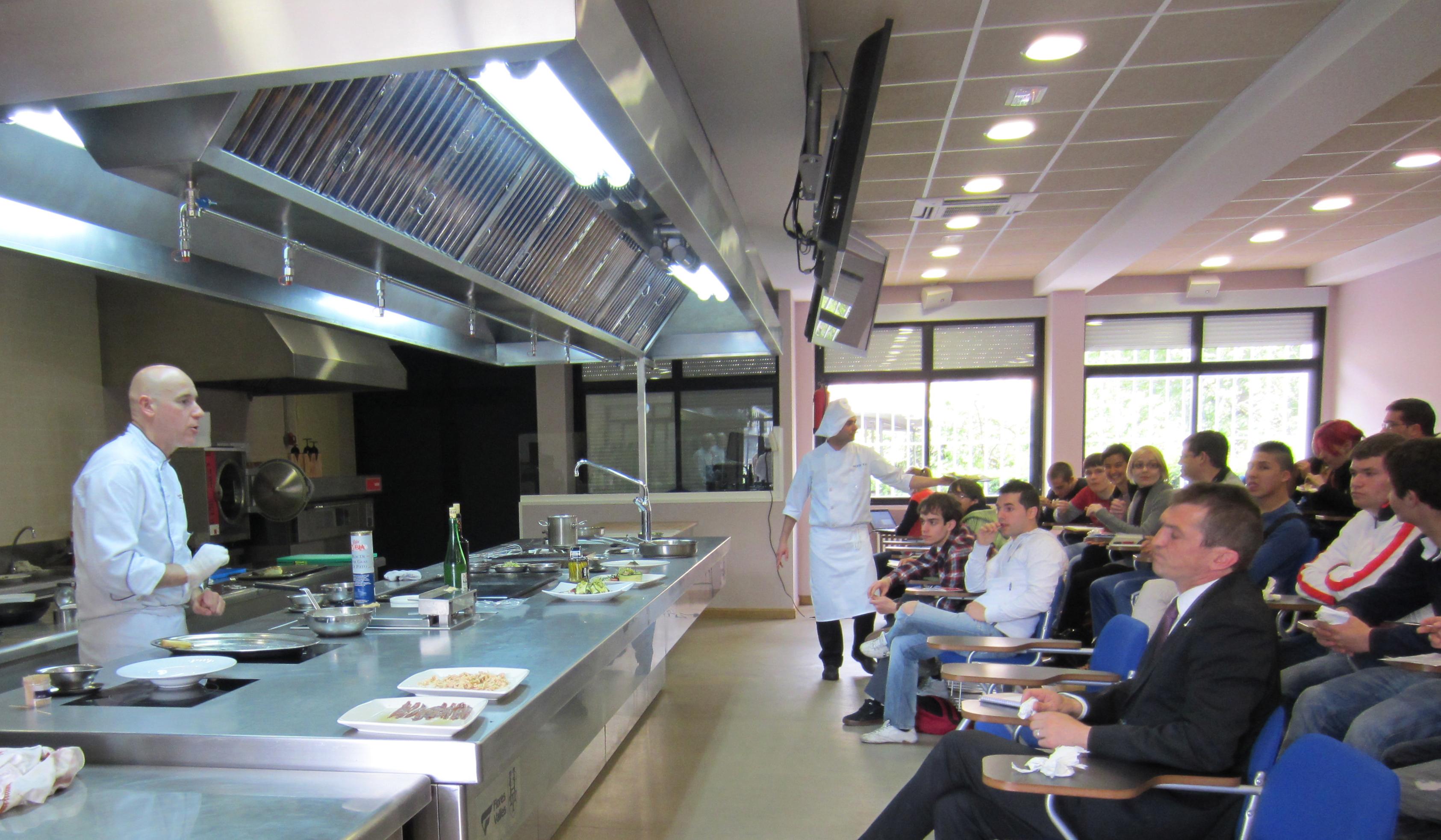 Magnífico Demostración De Cocina Viñeta - Ideas de Decoración de ...